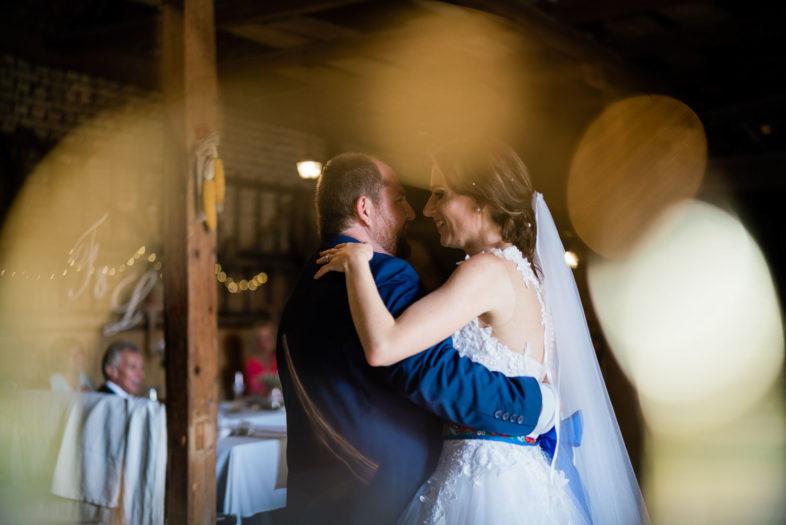 Svadba, Gazdovsky dvor, Myjava, Na dedine, priroda, zvierata, stodola, ludova, svadba, nevesta, zenich, tanec, svetielka